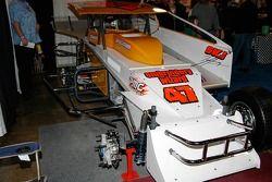 Une vue de la voiture de Jerry #47 avec le côté droit retiré. Jerry est le champion en titre du 358