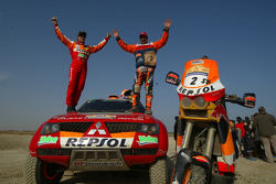 Marc Coma and Luc Alphand exchange machines at Lac Rose: Marc Coma and Luc Alphand