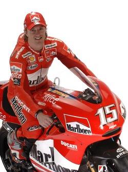 Sete Gibernau avec la nouvelle Ducati Desmosedici GP6