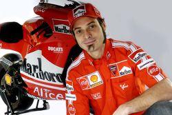 Vittoriano Guareschi avec la nouvelle Ducati Desmosedici GP6
