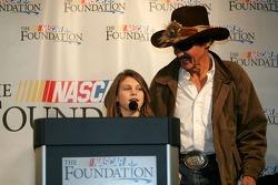 Conférence de presse de la NASCAR: Emma Lillycrop sur la Victory Junction Gang et Richard Petty