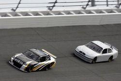 Brett Bodine, pilote du NASCAR et Kyle Petty,pilote de Petty Enterprises