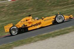Pedro de la Rosa tests the new McLaren MP4-21