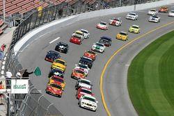 Green flag: #55 Hyper Sport Mustang GT: Ryan Pilla, Joe Foster et #44 Team Sahlen Porsche 996: Eric Lux, Charles Espenlaub