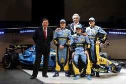 Patrick Faure, Giancarlo Fisichella, Heikki Kovalainen, Flavio Briatore ve Fernando Alonso ve yeni Renault R26
