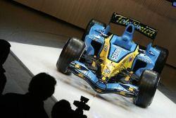 Der neue Renault R26 auf der Bühne