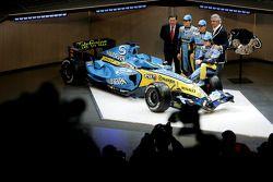 Patrick Faure, Giancarlo Fisichella, Heikki Kovalainen, Flavio Briatore ve Fernando Alonso ve yeni R