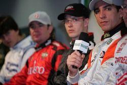 Champ Car rueda de prensa los pilotos: Justin Wilson en el micrófono