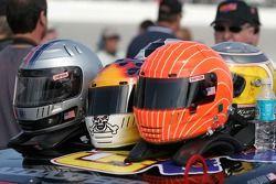 Casques des pilotes de l'équipe #08 Goldin Brothers Racing Mazda RX-8