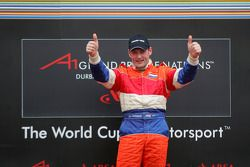 Podium: racewinnaar Jos Verstappen viert feest