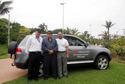 Bruce Holmes, Tony Teixeira and Sheikh Maktoum Hasher Maktoum Al Maktoum