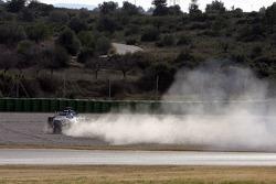 Nico Rosberg spins ve kaza yapıyor