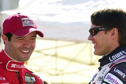 Luis Díaz se ríe con Adrian Fernandez