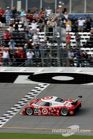 #02 Target Chip Ganassi with Felix Sabates Lexus Riley: Scott Dixon, Dan Wheldon, Casey Mears takes the checkered flag