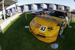 Les voitures de l'équipe Rolex 24 Heritage en présentation