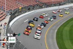 Green flag: #55 Hyper Sport Mustang GT: Ryan Pilla, Joe Foster et #44 Team Sahlen Porsche 996: Eric