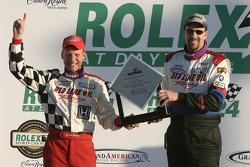 Podium: les vainqueurs John Schmitt et Dave Roush