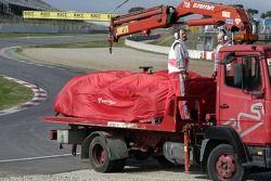 La Toyota de Jarno Trulli arrêtée sur la piste