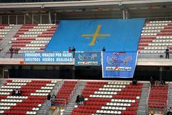 Le fan club de Fernando Alonso dans les tribunes