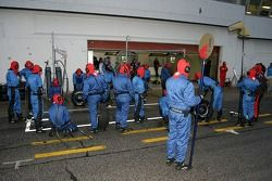 Pitstop practice at Toro Rosso