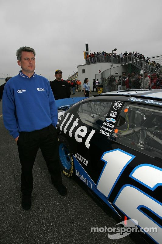 Matt Borland à l'inspection technique