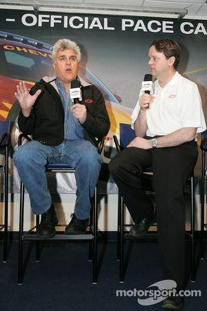 Conferencia de prensa: El anfitrión del Tonight Show y conductor del pace car, Jay Leno
