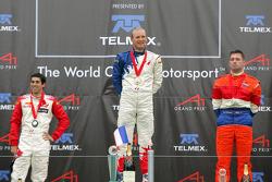 Podium: racewinnaar Alexandre Premat met Neel Jani en Jos Verstappen