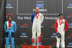 Podium: le vainqueur de la course Alexandre Premat avec Enrico Toccacelo et Neel Jani