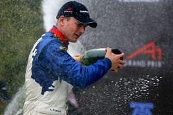 Podium: le vainqueur de la course Alexandre Premat