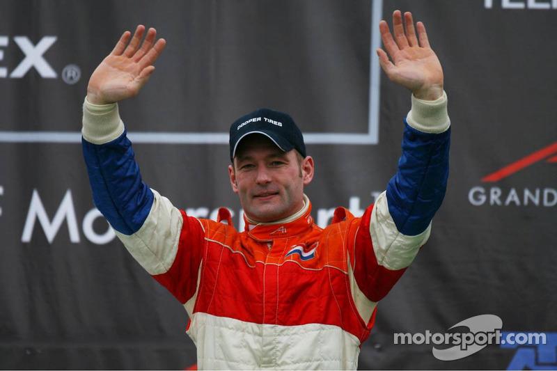 Seu pai, Jos, competia na extinta A1 GP, representando a Holanda