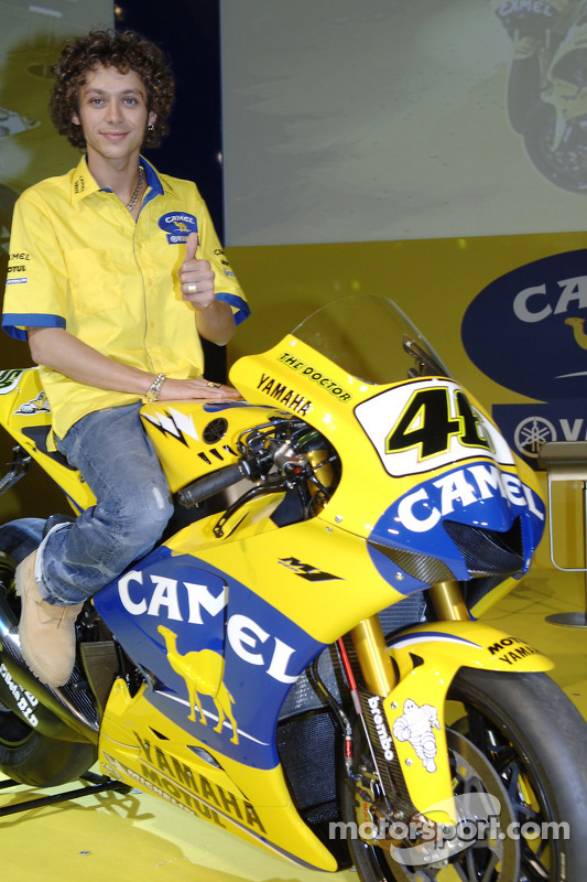 Valentino Rossi with the 2006 Camel Yamaha M1 at Yamaha M1 launch