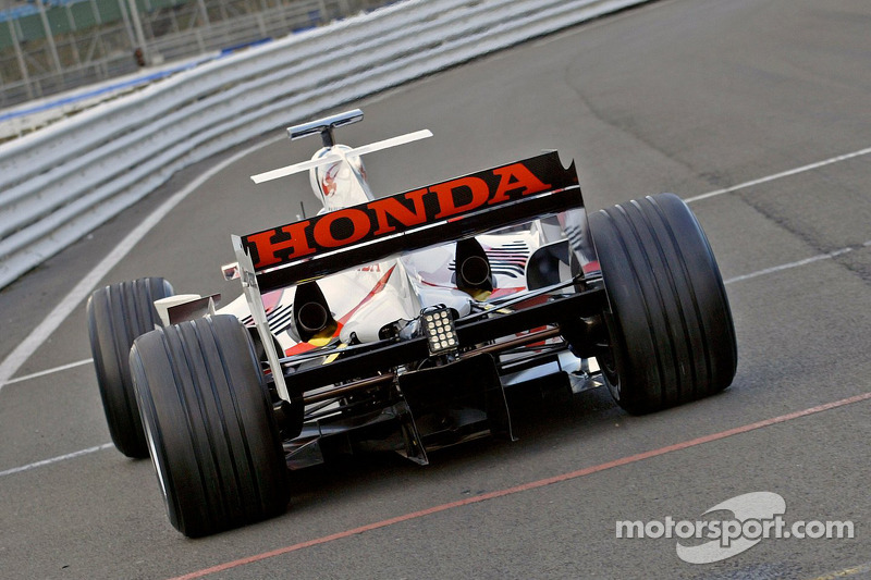 Takuma Sato, first outing, Super Aguri F1 Cari ve its yeni aerodynamic parts