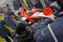 Tiago Monteiro fait des arrêts au stand durant une journée de test de congélation à Silverstone pour