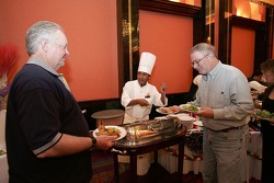 Des invités au dîner du NASCAR à l'hôtel Nikko