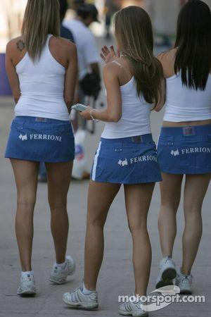 Les jolies jeunes filles de Ferrioni
