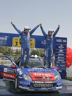 Podio: los ganadores Sébastien Loeb y Daniel Elena celebran