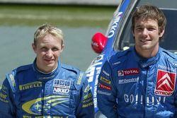 Podium: le vainqueur Sébastien Loeb avec Petter Solberg