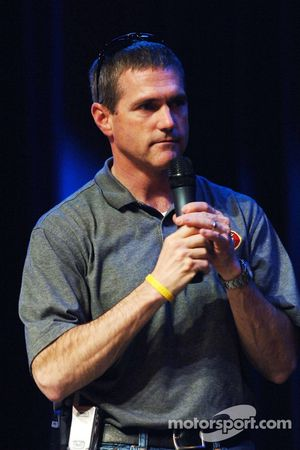 Bobby Labonte helps raise funds at the eighth annual Driver Auction benefiting the Las Vegas Chapter