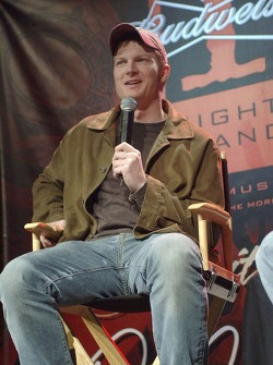 Dale Earnhardt Jr. Pose des questions durant le Budweiser One Night Stand aà l'hôtel Hard Rock