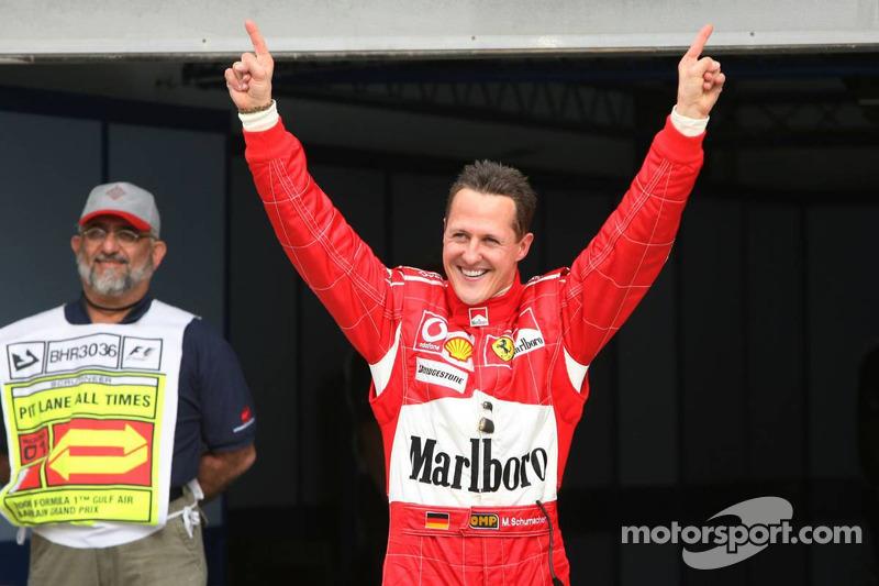Pole: Kazanan Michael Schumacher kutlama yapıyor