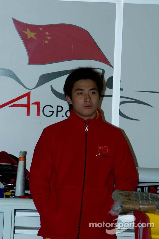 Le pilote de l'équipe de Chine Tengyi Jiang