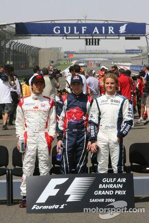 Новички Формулы 1 сезона-2006 на фотосессии в начале сезона: Юдзи Иде, Скотт Спид и Нико Росберг
