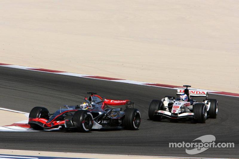 Juan Pablo Montoya lidera a Jenson Button