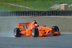 Jos Verstappen de l'équipe des Pays-Bas rejoint la course