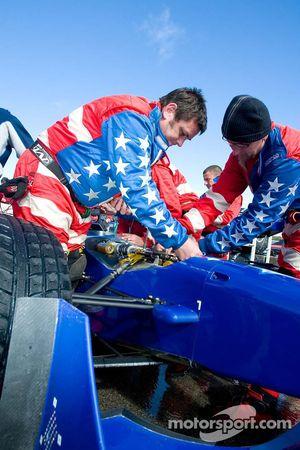 L'équipe des USA prépare la course Feature