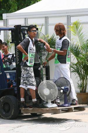 Travailleurs à Sepang