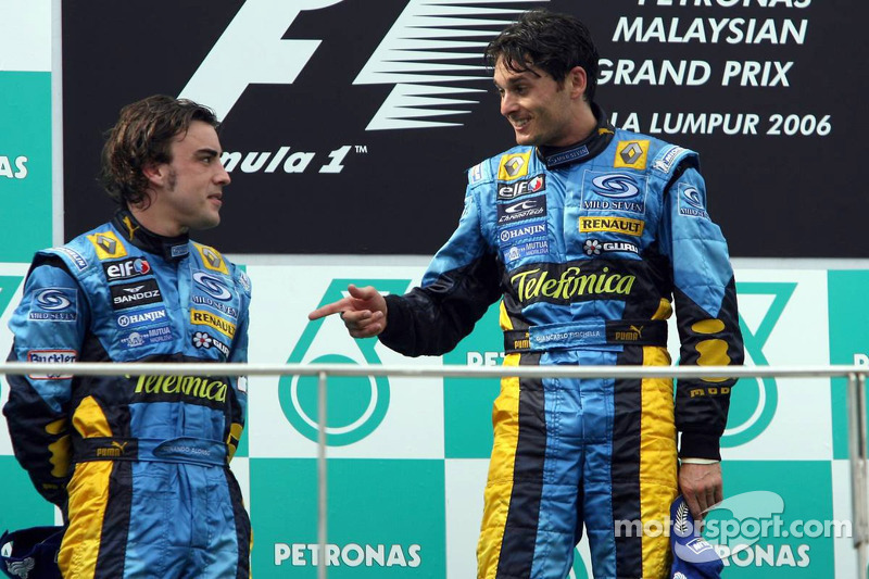 26- Fernando Alonso, 2º en el GP de Malasio 2006 con Renault