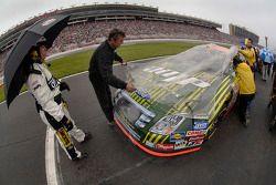 Equipe de Kevin Lepage recouvre la voiture