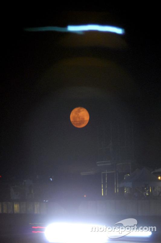 Lune sur Sebring