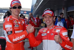 Polesitter Loris Capirossi, Ducati; 2. Sete Gibernau, Ducati
